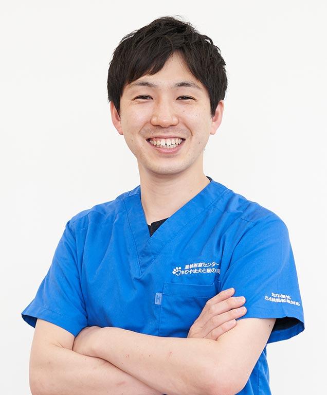 飯田 惇一 副院長(獣医師)